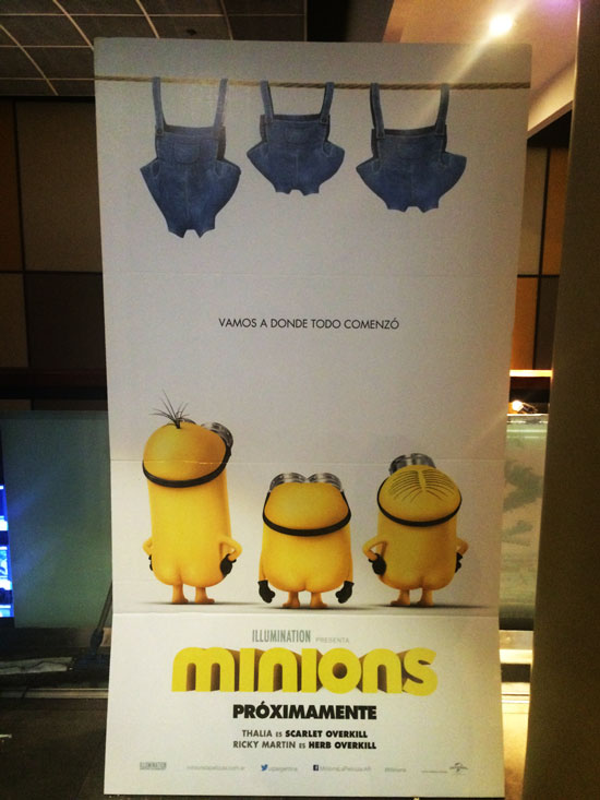 Standee Minions Hoyts Abasto Buenos Aires