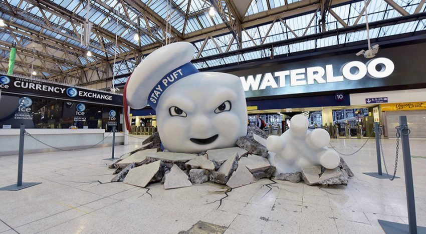 Stay Puft Marshmallow Man apareció en la estación de Waterloo